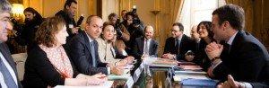 Laurent Berger, secretaire general du syndicat CFDT, face a Manuel Valls, premier ministre, Myriam El Khomri, ministre du travail, Emmanuel Macron, ministre de l'economie